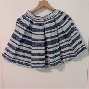 Cupcakes and Cashmere pleated skirt w pockets sz0